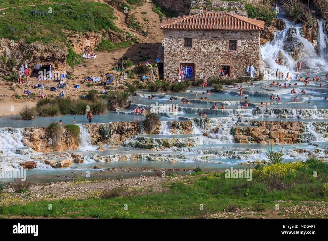 Cascate del Mulino Saturnia thermische Wasserfall Stockfotografie ...
