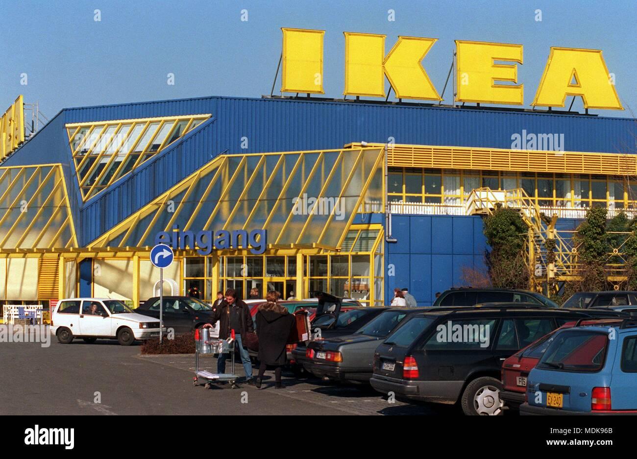 Blick Auf Das Schwedische Möbelhaus Ikea Am 2621996 In Wiesbaden