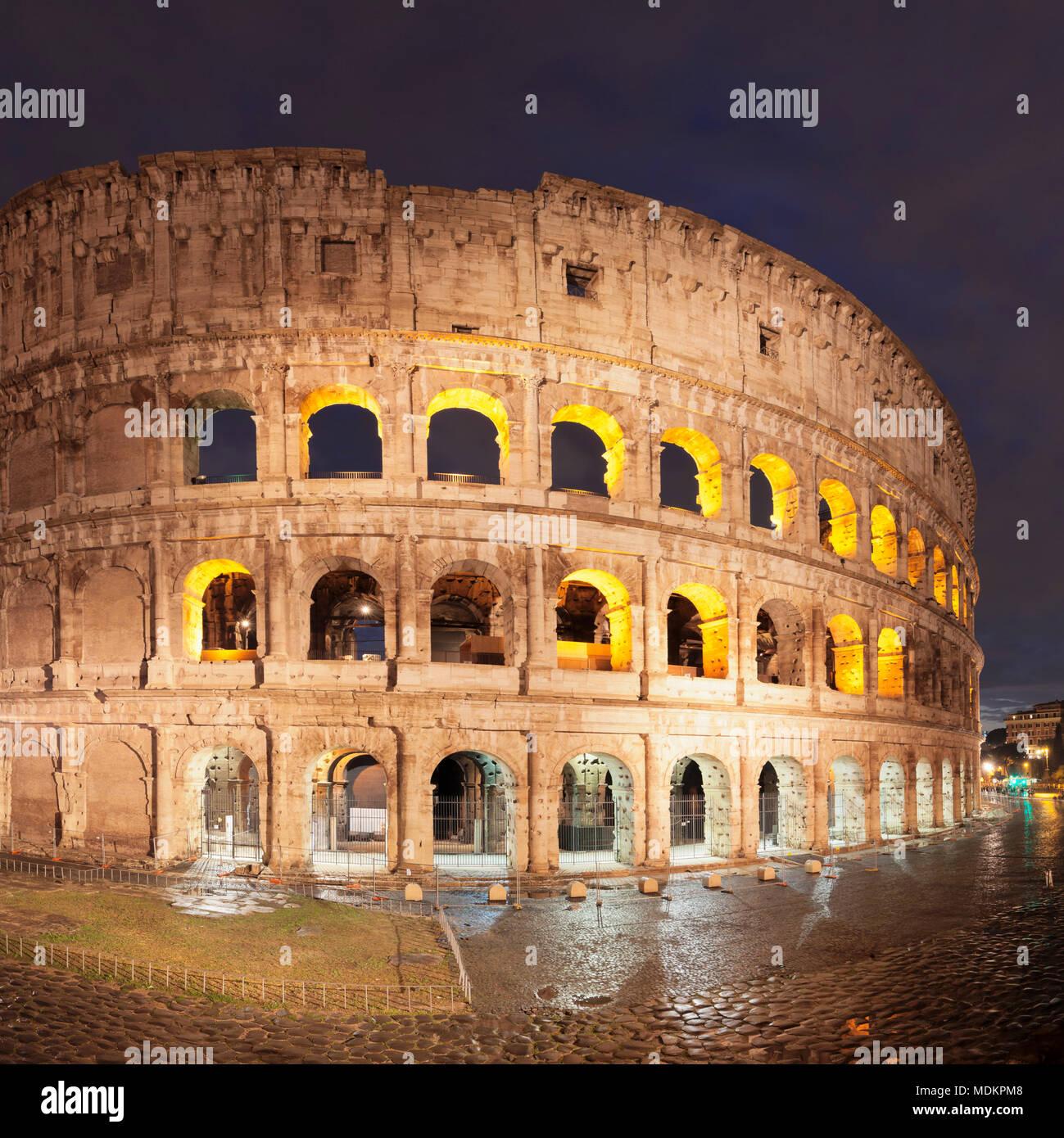 Beleuchtete Kolosseum, Colosseo, UNESCO-Weltkulturerbe, Rom, Latium, Italien Stockbild