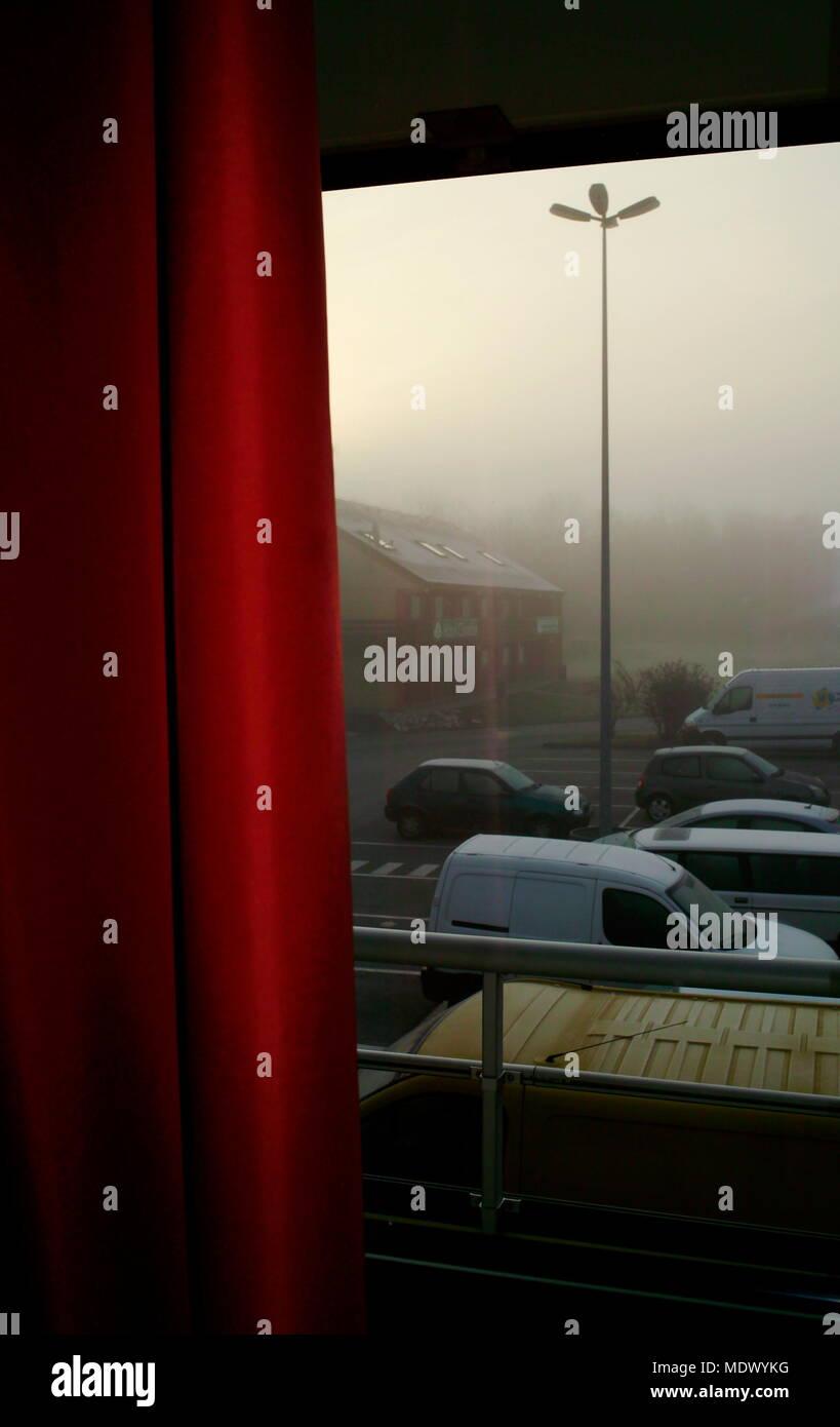AJAXNETPHOTO. 2008. GLISY, Amiens, Frankreich. - PREMIERE CLASSE - am frühen Morgen BLICK VOM HOTEL. Foto: Jonathan Eastland/AJAX REF: 81604_35 Stockbild