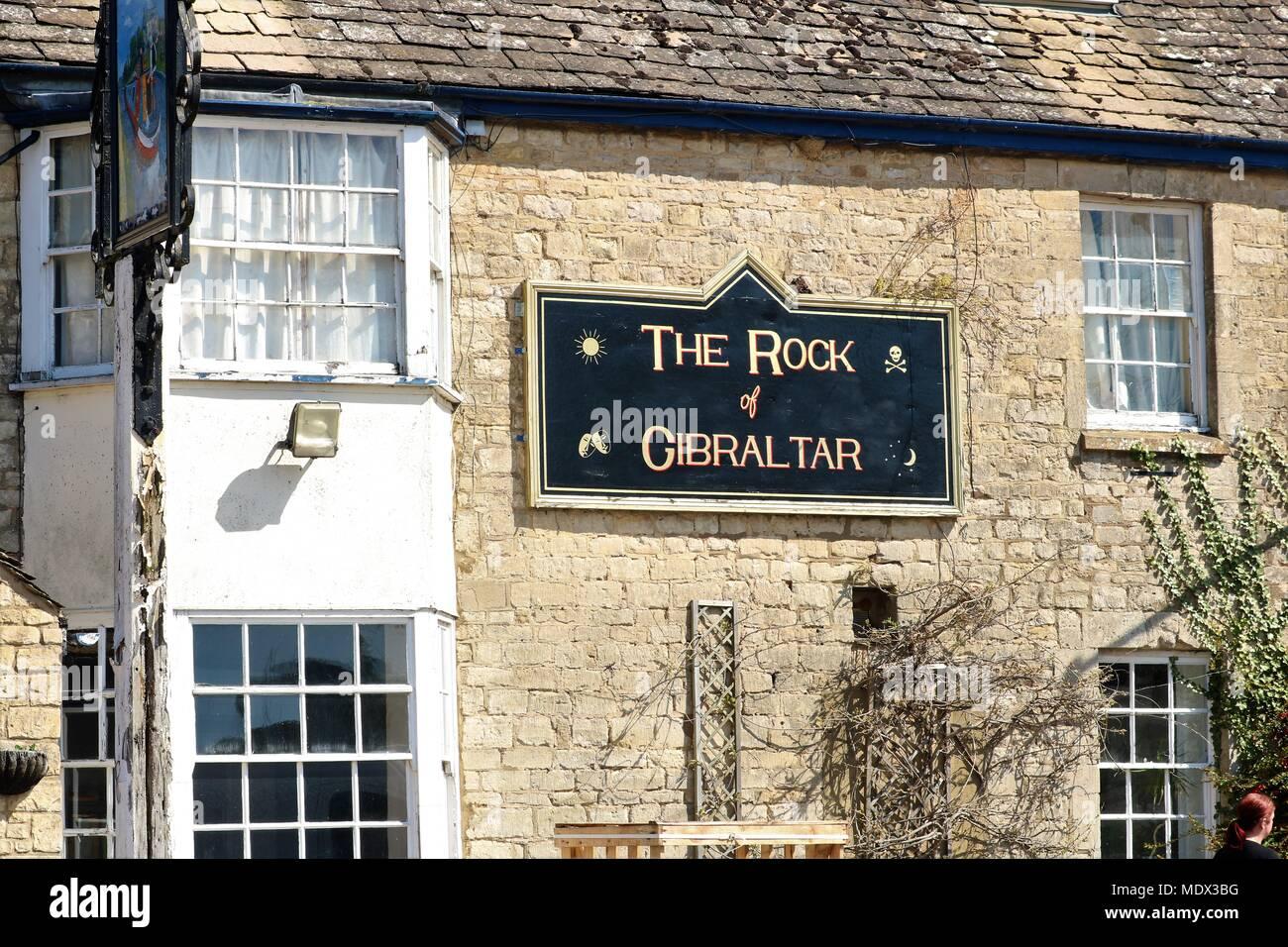 """""""Die Felsen von Gibraltar 'pub/Public House schön in der Sonne bei Enslow Wharf, Bletchingdon, Oxfordshire, Großbritannien Stockfoto"""