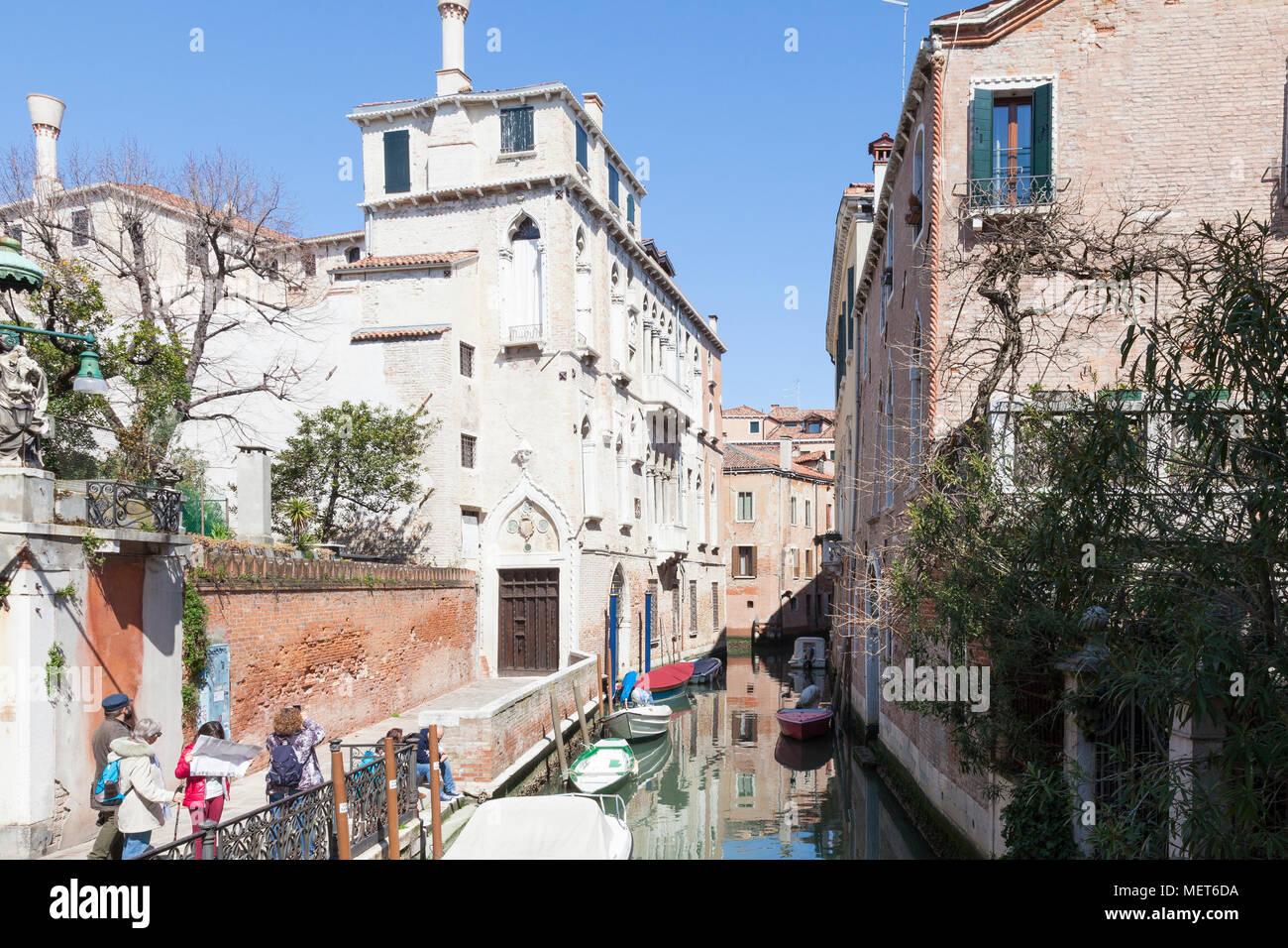 Palazzo Soranzo Van Axel, Fondamenta Van Axel, Rio della Panada, Cannaregio, Venedig, Venetien, Italien, die am besten Erhaltene gotische Palast in Venedig. Touris Stockbild