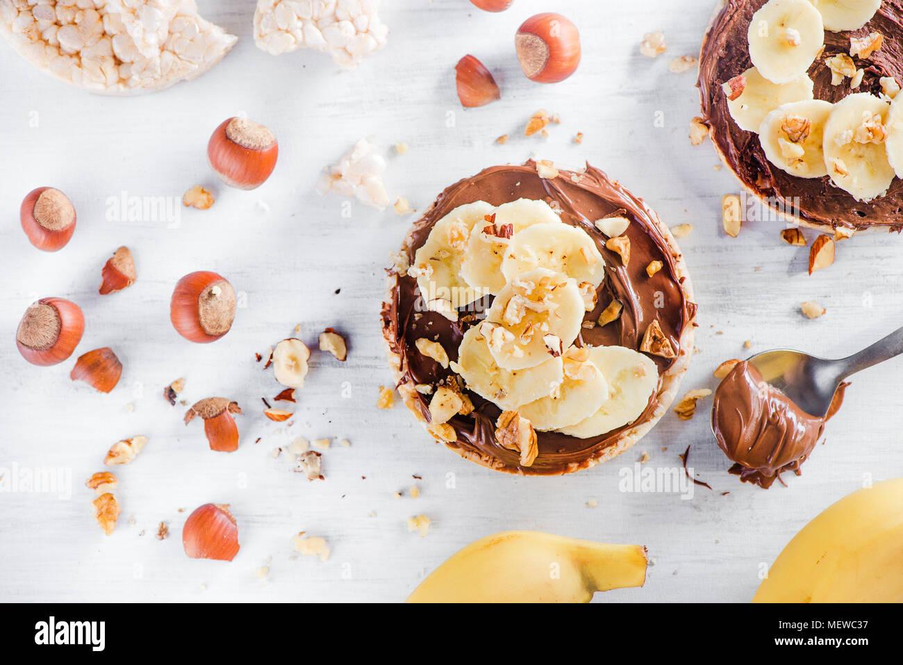 Knackebrot Banane Und Schokolade Snacks Gesundes Fruhstuck Mit