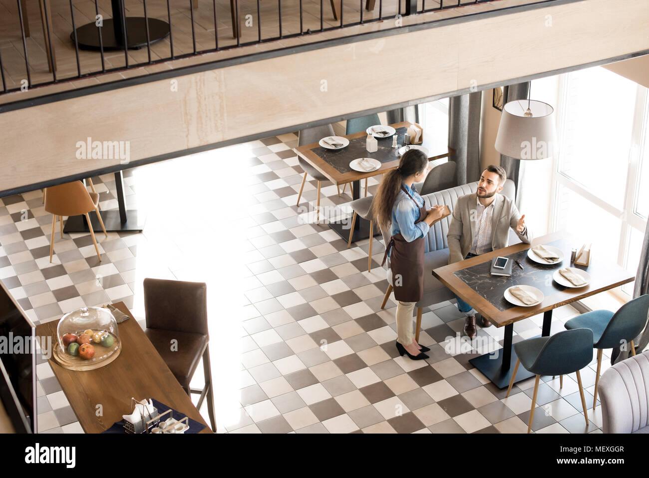 Modernes und gemütliches Business Cafe Stockbild