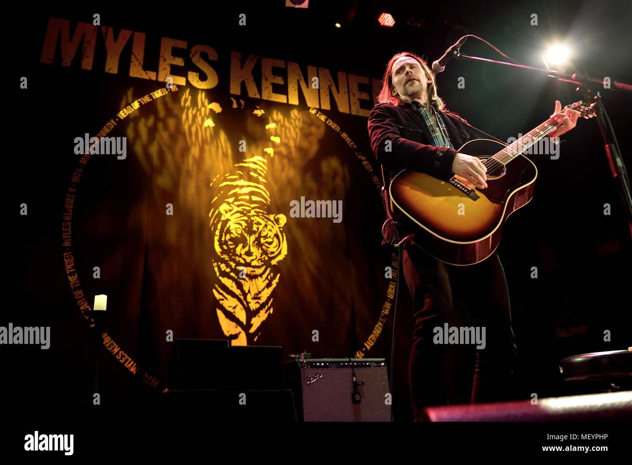 Myles Kennedy Acoustic gig, Jahr des Tigers Tour an der Islington ...