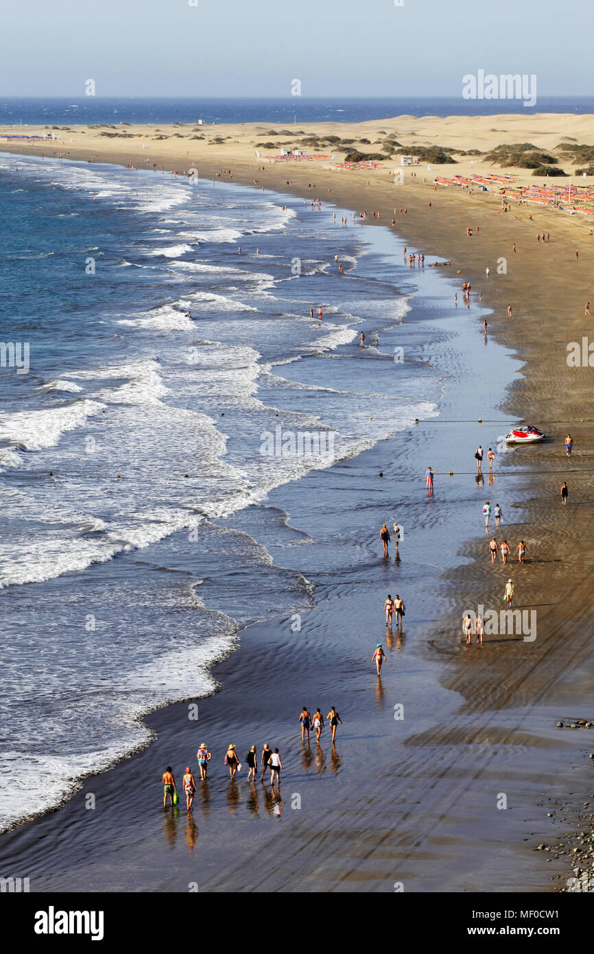 Strand Playa del Inglés/Maspalomas entfernt vom Paseo Costa Canaria Fußgängerzone gesehen, Gran Canaria, Kanarische Inseln, Spanien Stockbild