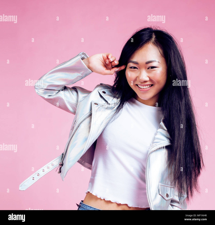 Asiatisch Mädchen Zeigen Sie Jung