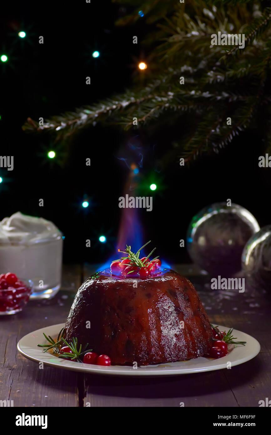 Brennende Weihnachtspudding Stockbild
