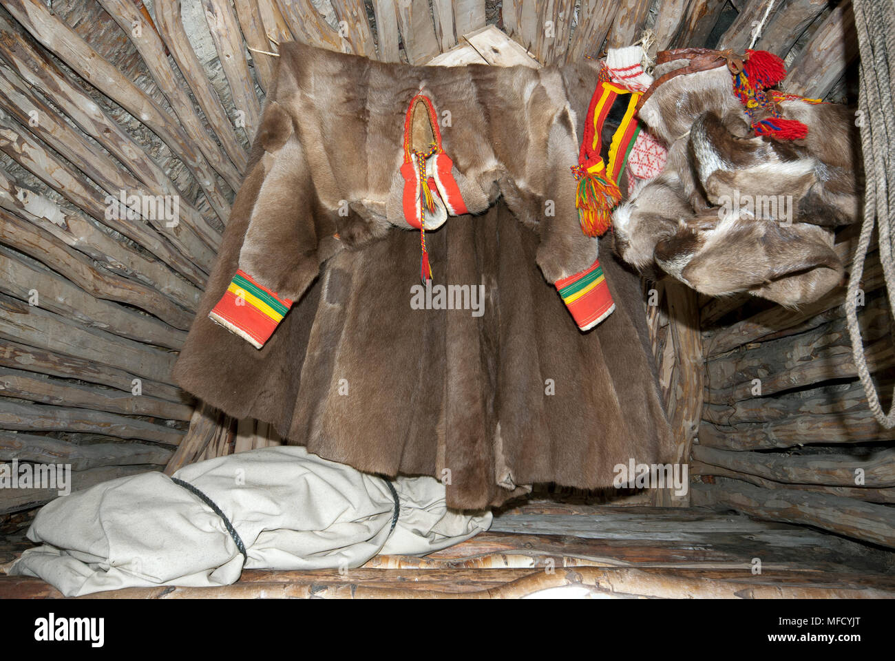 3c6fe5c38eb731 Hung Shoes Stockfotos   Hung Shoes Bilder - Alamy