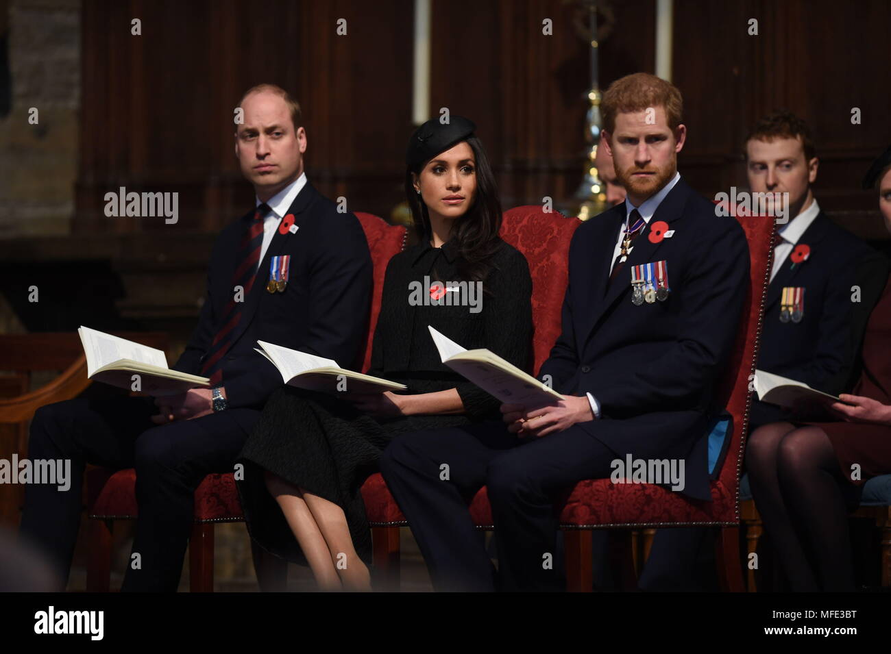 Prinz William (links), Meghan Markle und Prinz Harry im Rahmen des ...