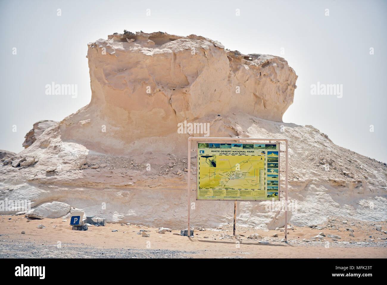 Kalkstein Formation In Die Weisse Wuste In Der Nahe Von Farafra Mit