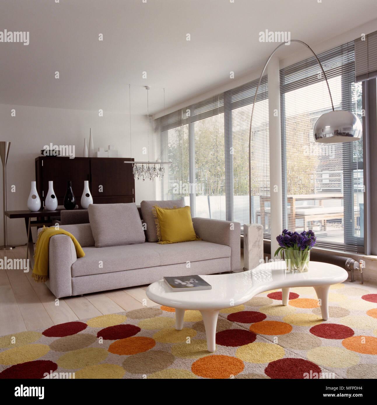 Designer Möbel im Wohnzimmer, Minotti Kline Sofa und Marc Newson ...