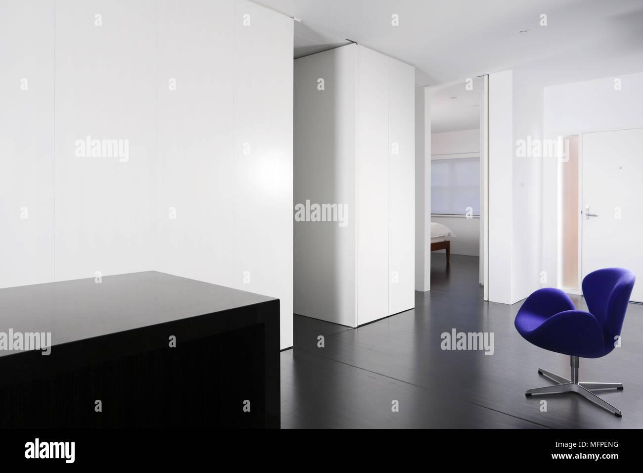 Arne Jacobsen Swan Chair In Der Mitte Der Modernen Minimalistischen