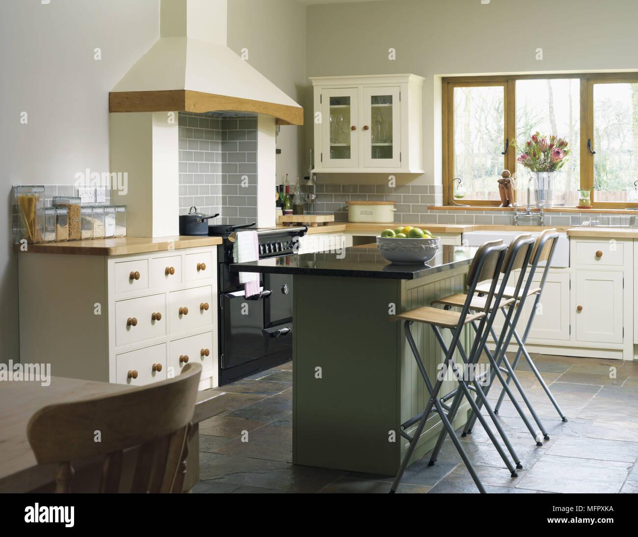 Kitchen Island Storage Stockfotos & Kitchen Island Storage Bilder ...