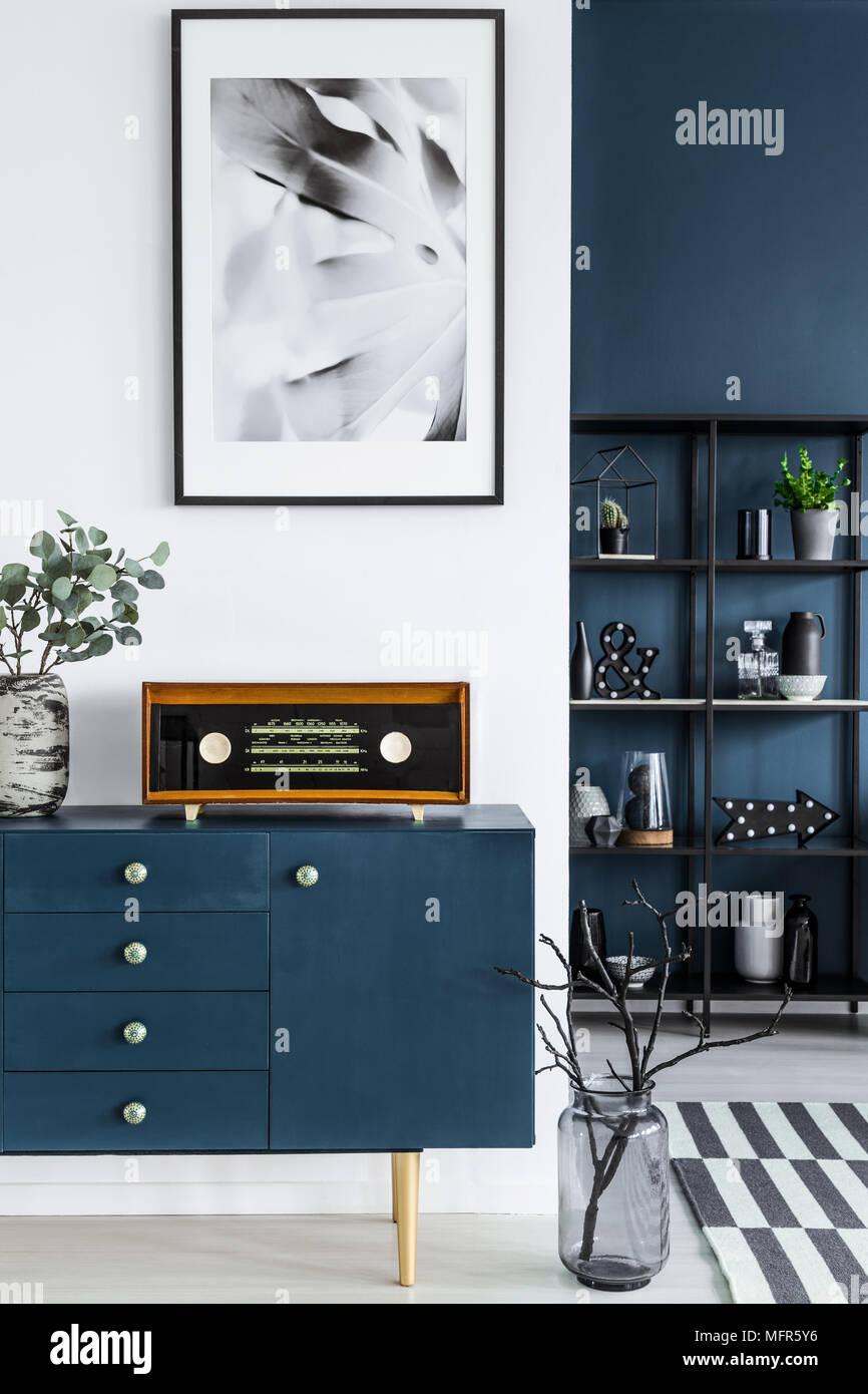 Nahaufnahme Einer Malerei Blauen Kabinett Retro Radio Und