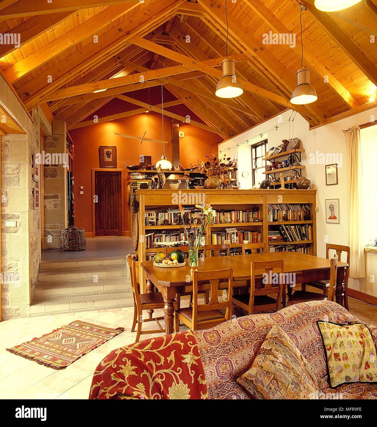 Buchen gesäumten Raumteiler offene auf 2 Ebenen Land Küche ...