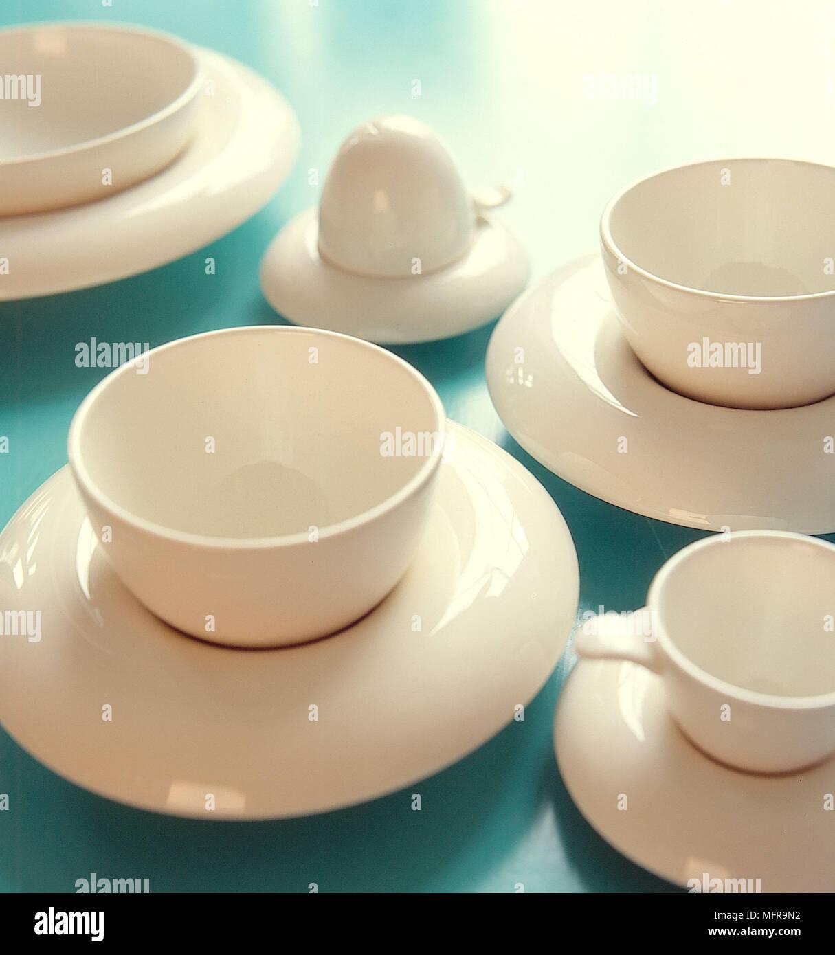 Creme Keramik Geschirr Teller Tassen Interieur Geschäfte Keramik