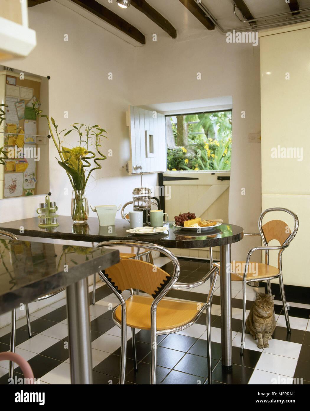 Black Granite Table Stockfotos & Black Granite Table Bilder - Alamy