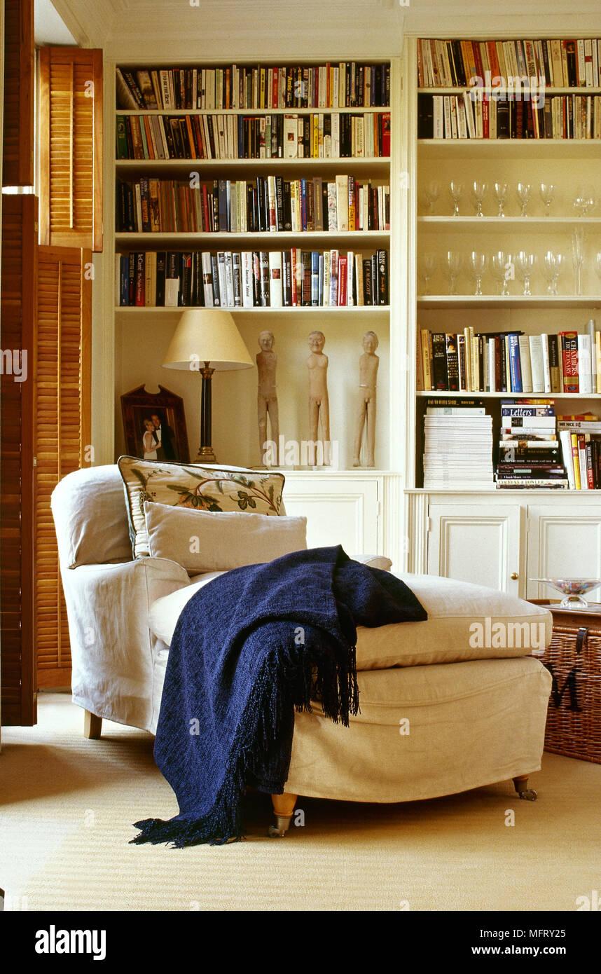 Moderne Teppichboden Wohnzimmer Mit Einer Griffigen Abgedeckt