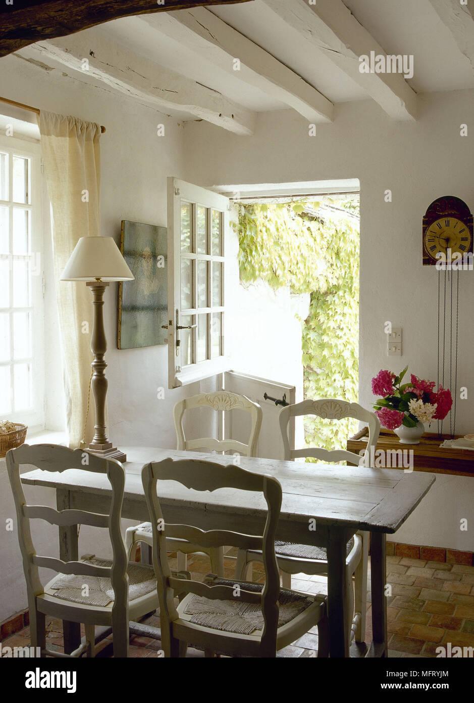 Merveilleux French Country Esszimmer Balkendecke Stabile Tür Tisch Stühle Innenräume  Zimmer Rustikale Hütten Zeitraum Funktionen