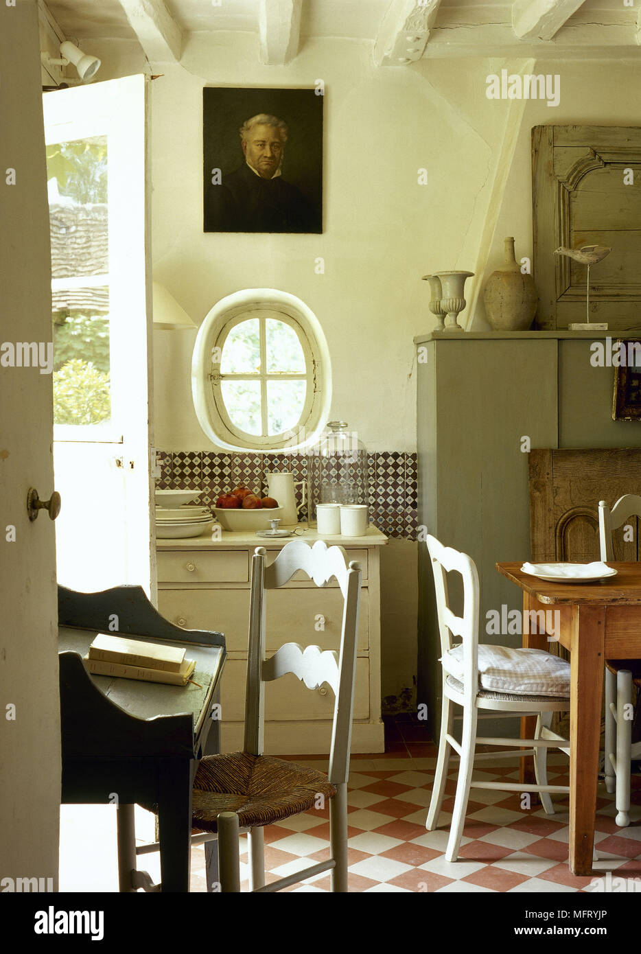 Ziemlich Landküche Esstische Fotos - Ideen Für Die Küche Dekoration ...