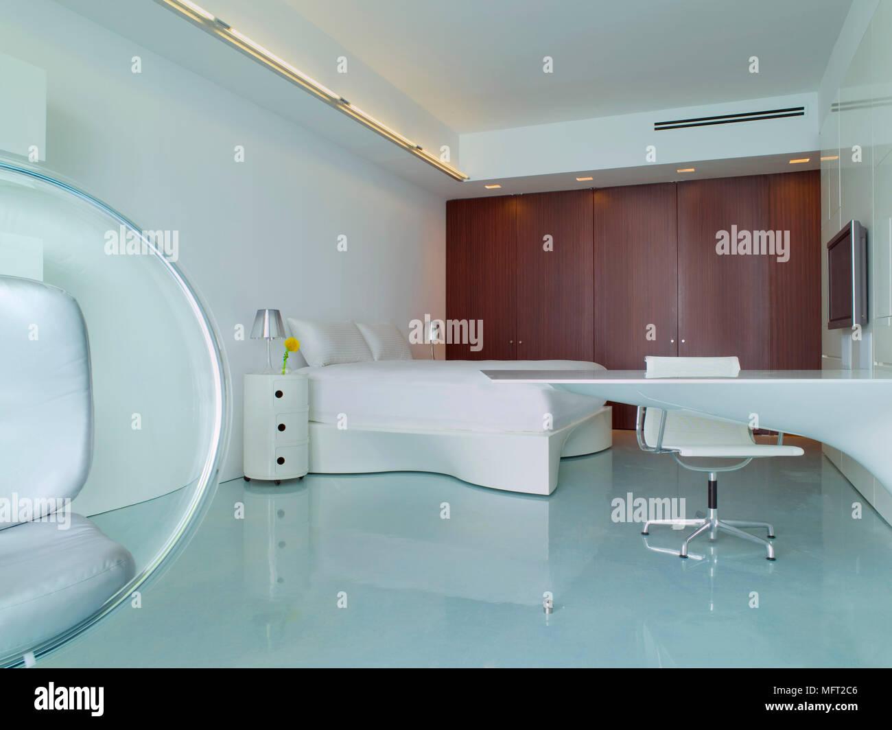 Ein modernes retro stil minimalistisch weiße schlafzimmer