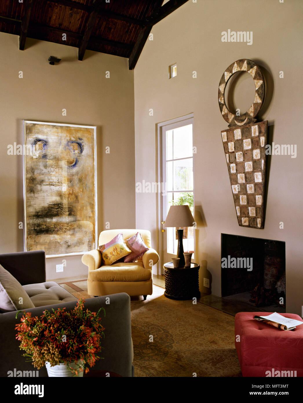 Land Wohnzimmer Kamin Sofa Gepolstertem Sessel Hocker Wand Dekoration Inneneinrichtung Zimmer Rustikale Kamine Stockfotografie Alamy