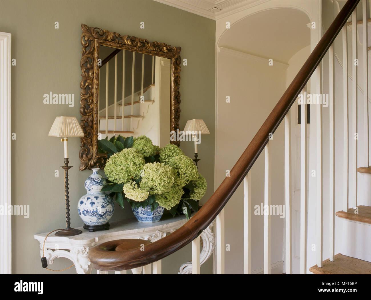 ein detail einer traditionellen eingangsbereich. Black Bedroom Furniture Sets. Home Design Ideas