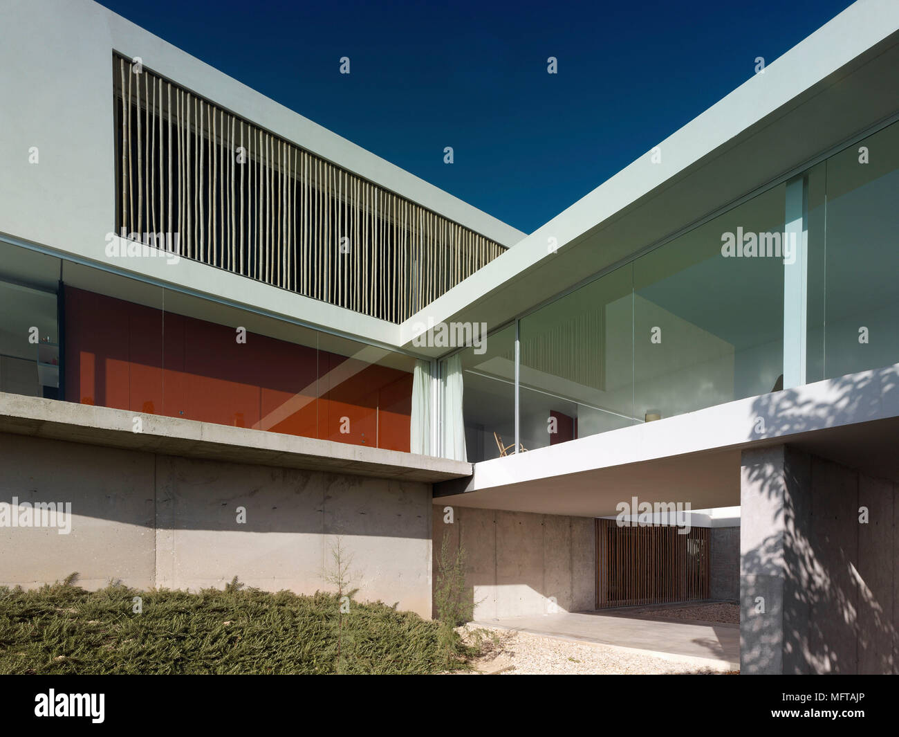 Modern Painted House Stockfotos & Modern Painted House Bilder - Alamy