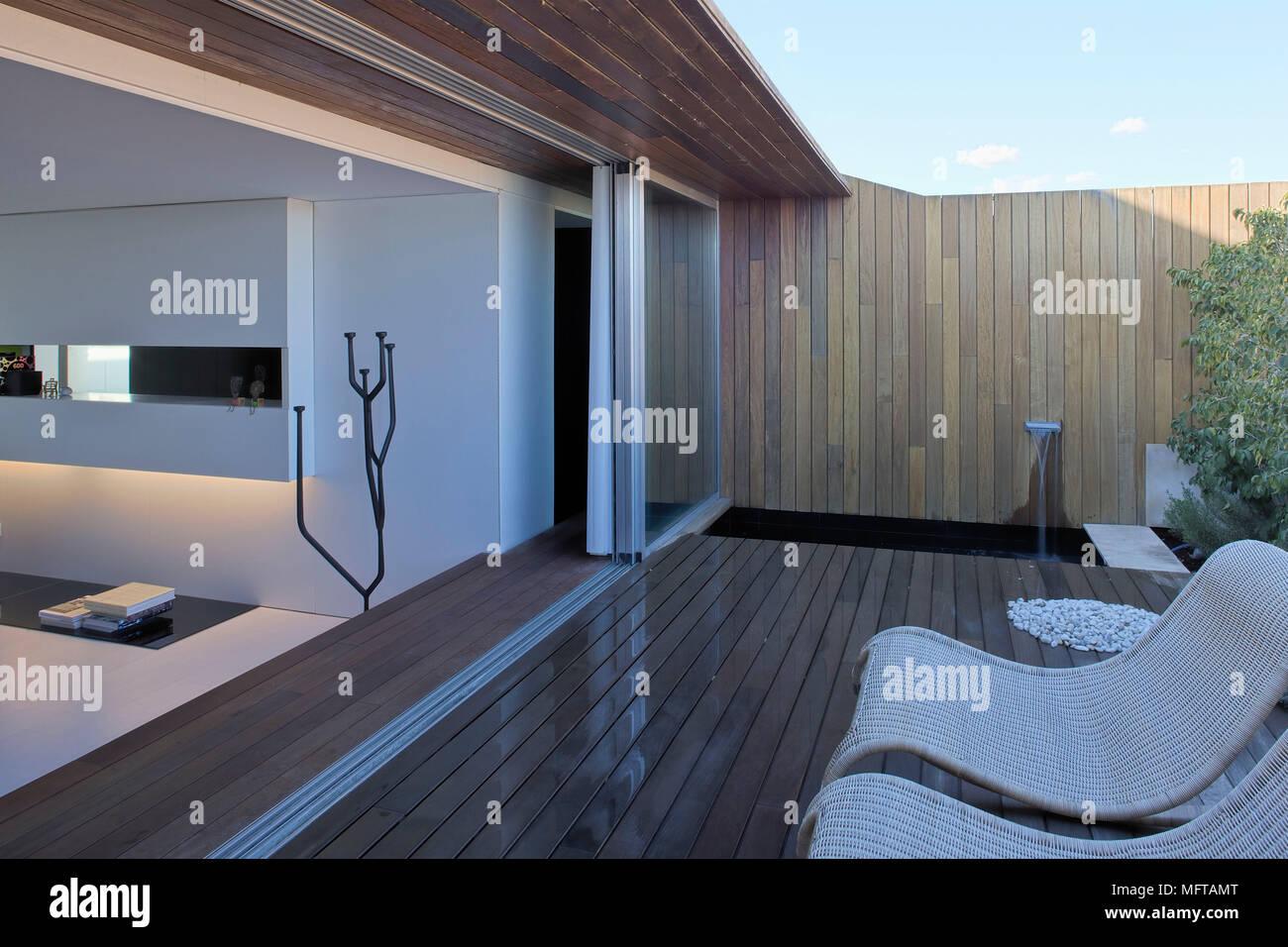 Moderne Holzterrasse Idee Auseneinrichtung Style - Wohndesign -