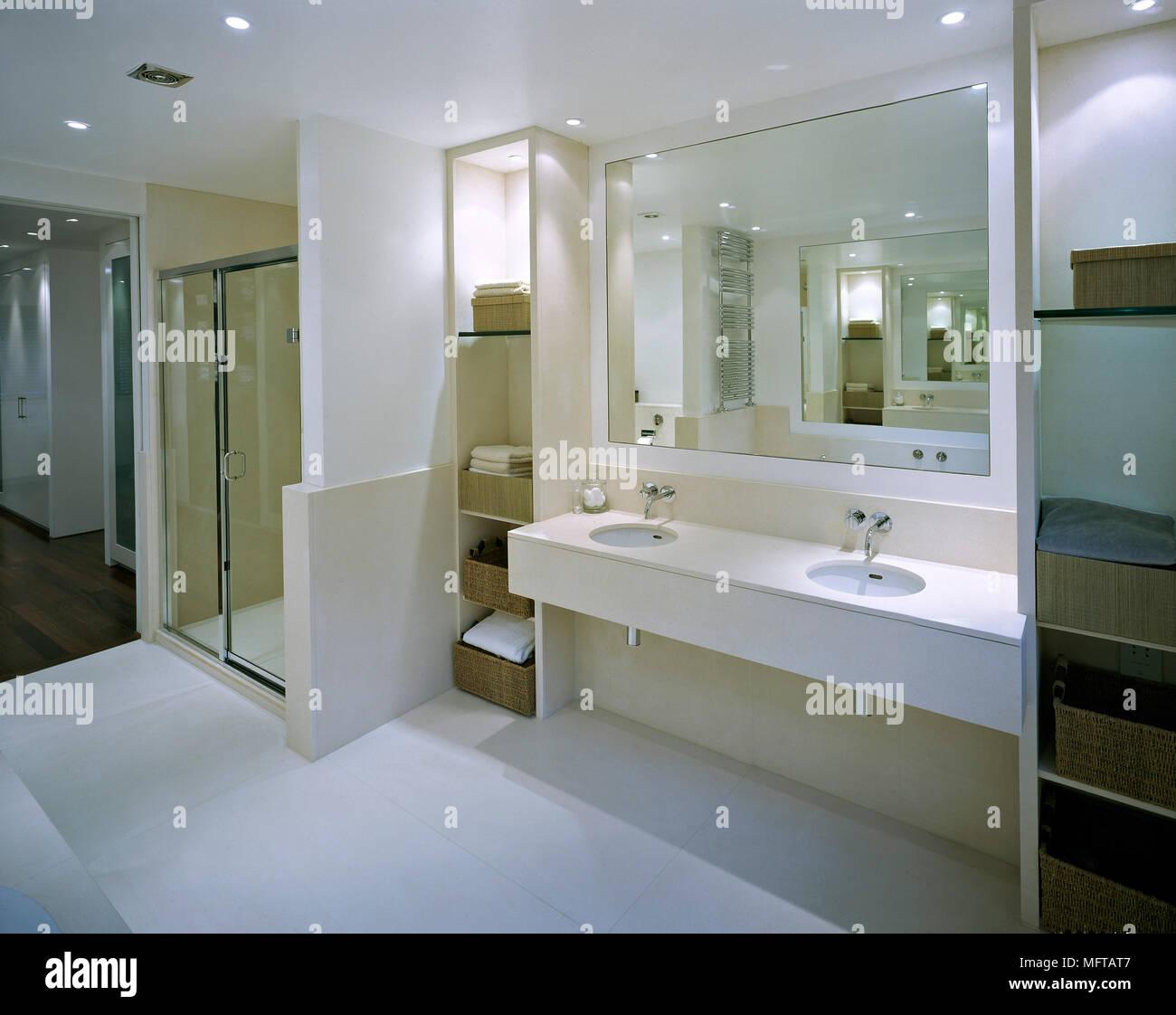 Badezimmer Mit Zwei Waschbecken In Stein Zahler Speicher