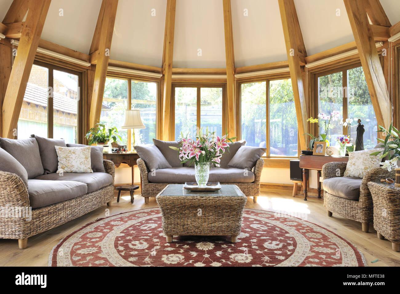 Korbmobeln Eingerichtet Im Modernen Landhausstil Wohnzimmer