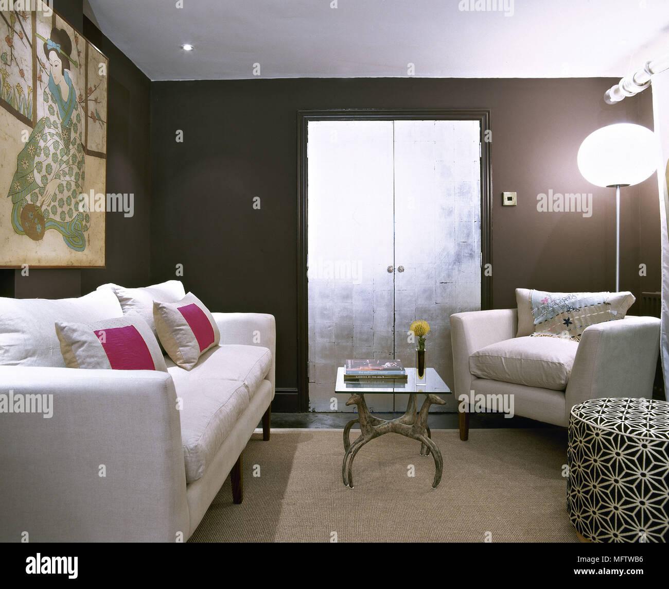 ein modernes wohnzimmer japanische drucken weiche möbel weiß sofa