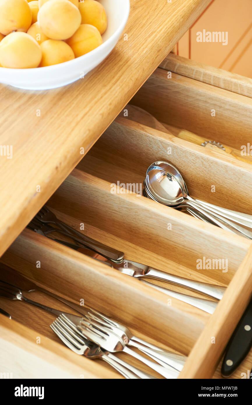 Besteck Schublade Mit Messer Gabel Und Loffel Offnen Stockfotografie Alamy