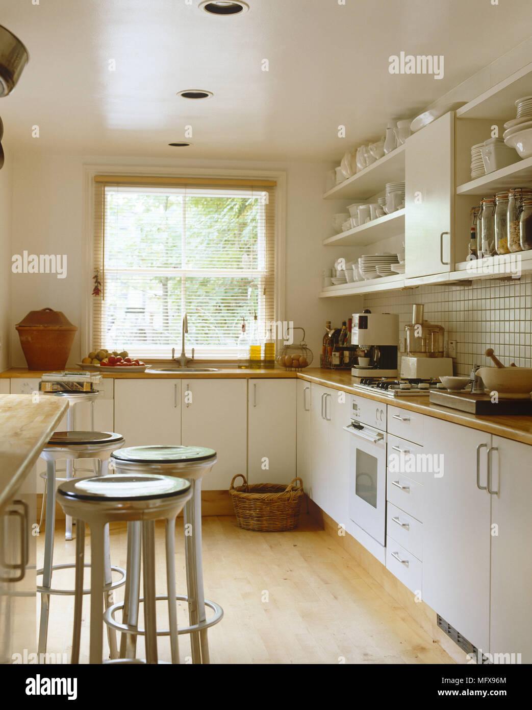 Atemberaubend Holz Küche Frühstück Barhockern Fotos - Küche Set ...