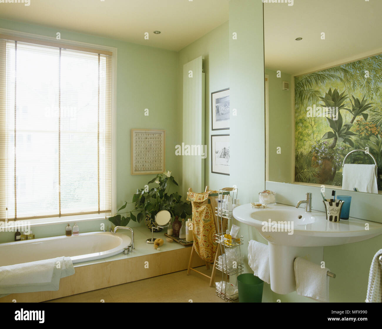 Eingelassene Badewanne Stockfotos Eingelassene Badewanne Bilder