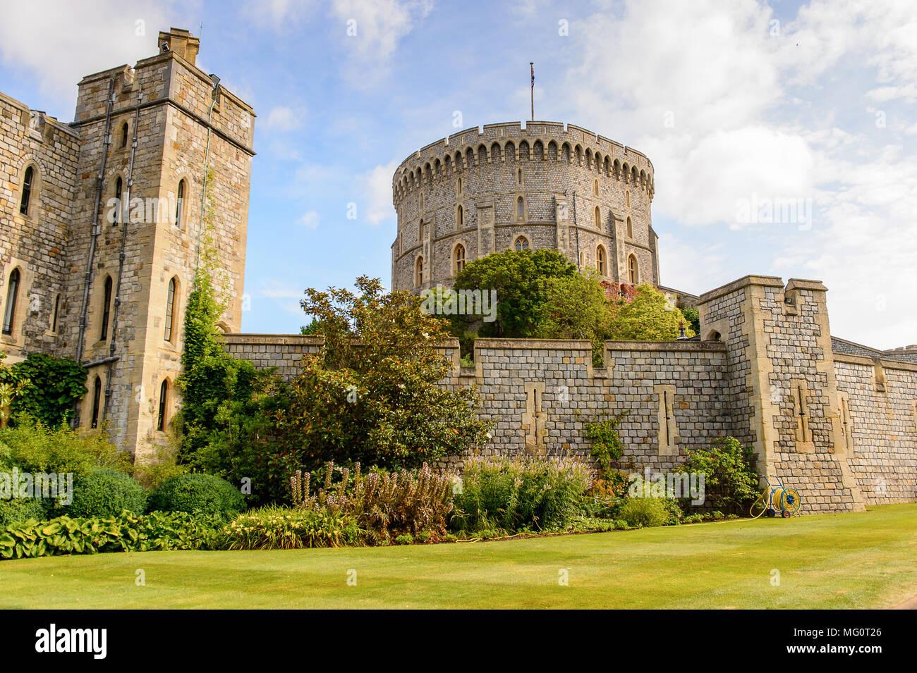 Runde Turm von Schloss Windsor, Berkshire, England. Offizielle Residenz Ihrer Majestät der Königin Stockbild