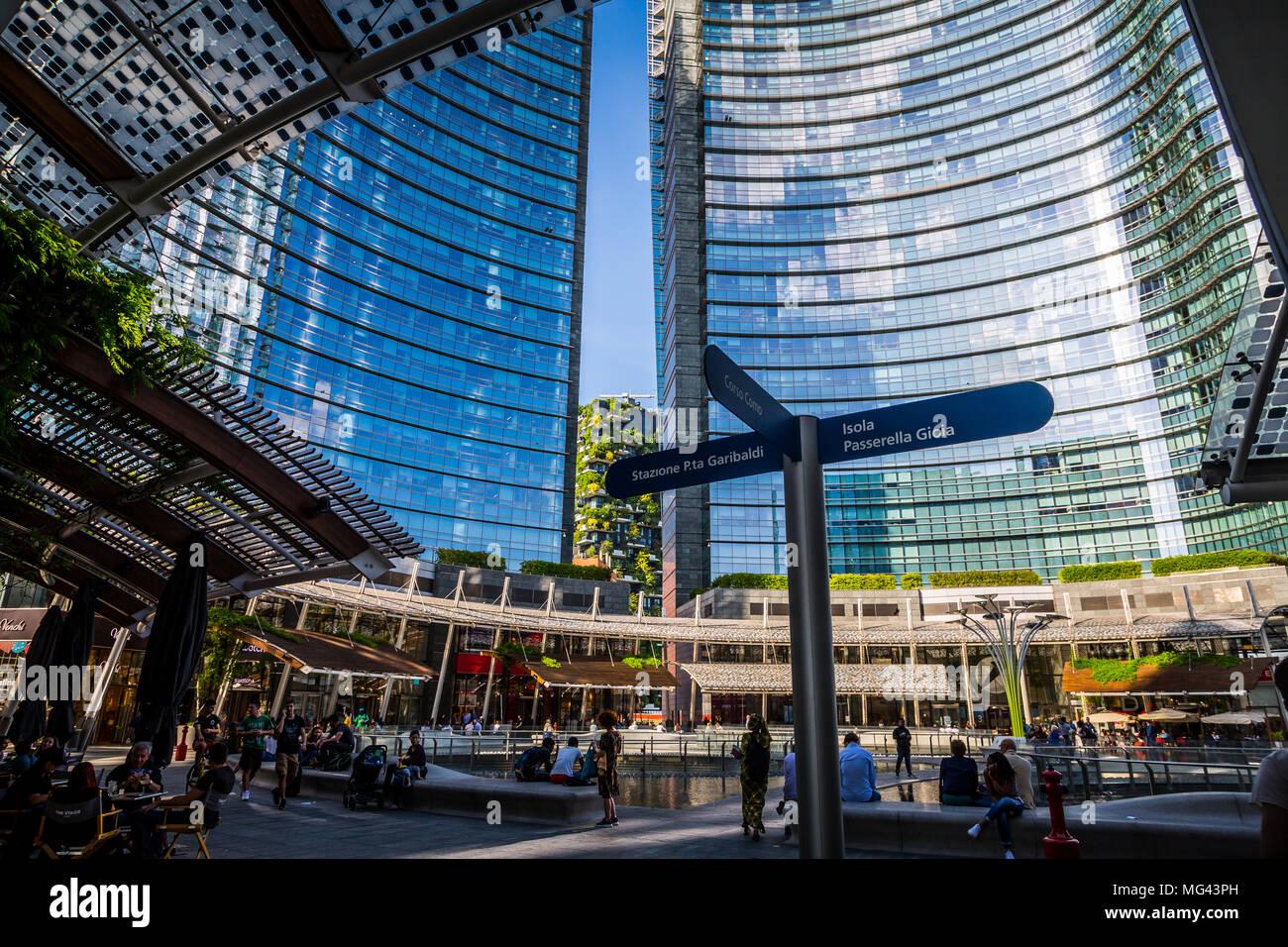 Gae Aulenti Square, Mailand, Italien Stockfotografie - Alamy