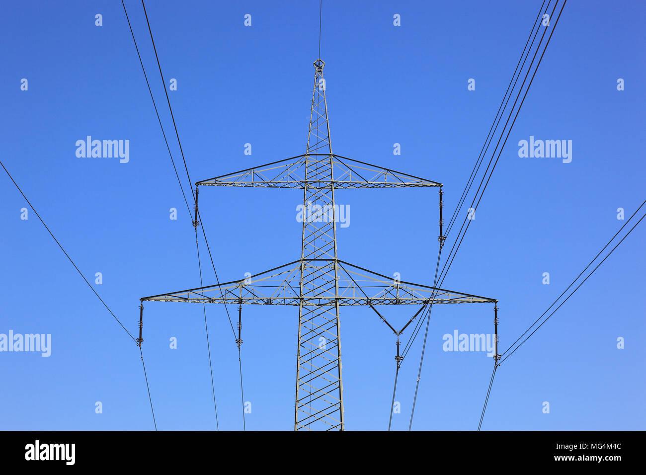 Stromnetz, Hochspannungsleitung Stockbild
