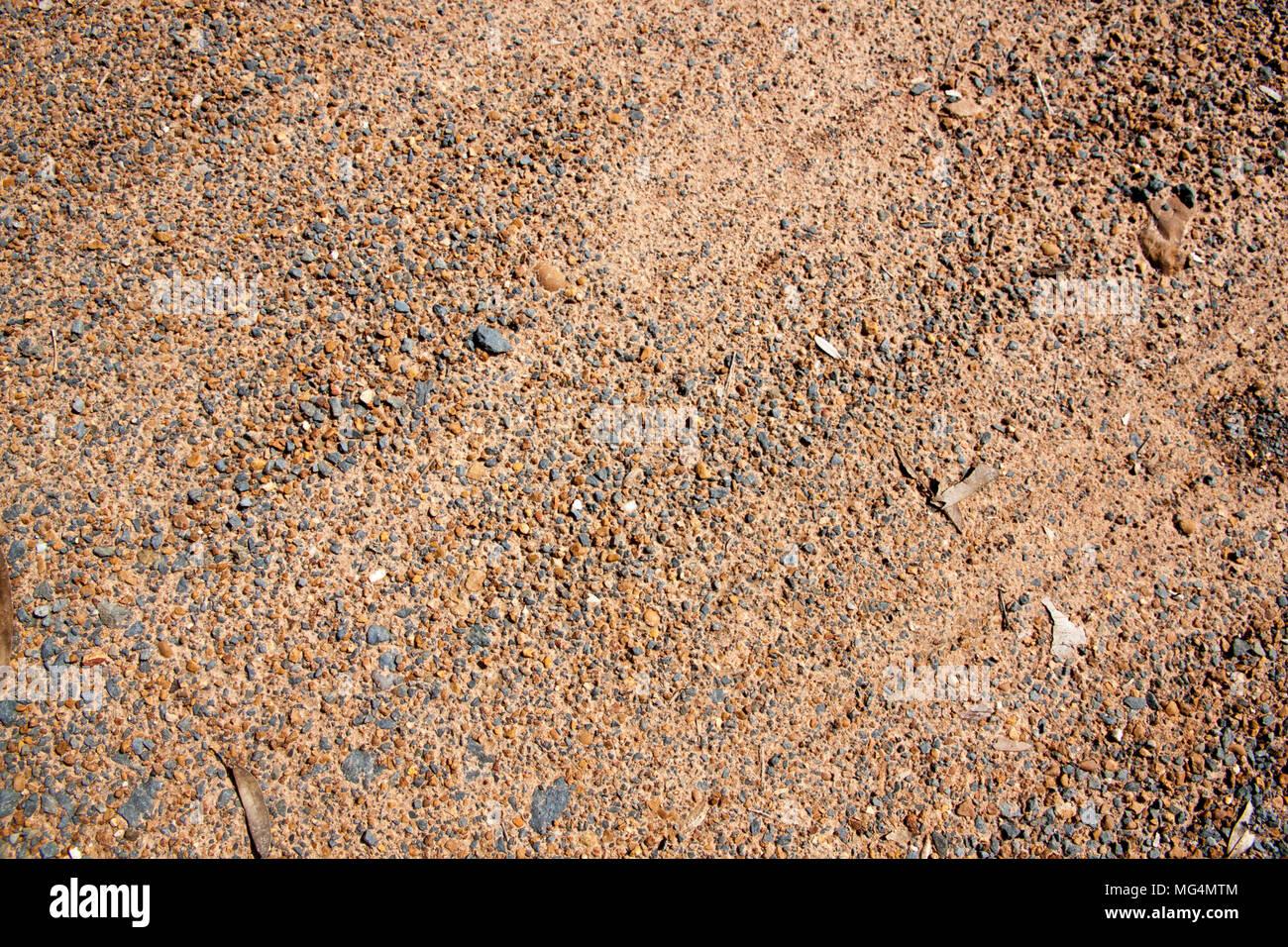 Fußboden Aus Kleinen Steinchen ~ Brauner kies textur und kleinen stein hintergrund sand und steine