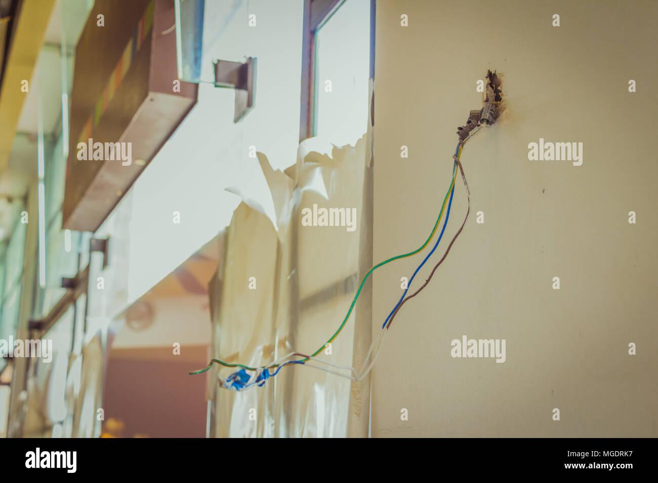 Tolle Elektrische Verkabelung In Wänden Fotos - Die Besten ...