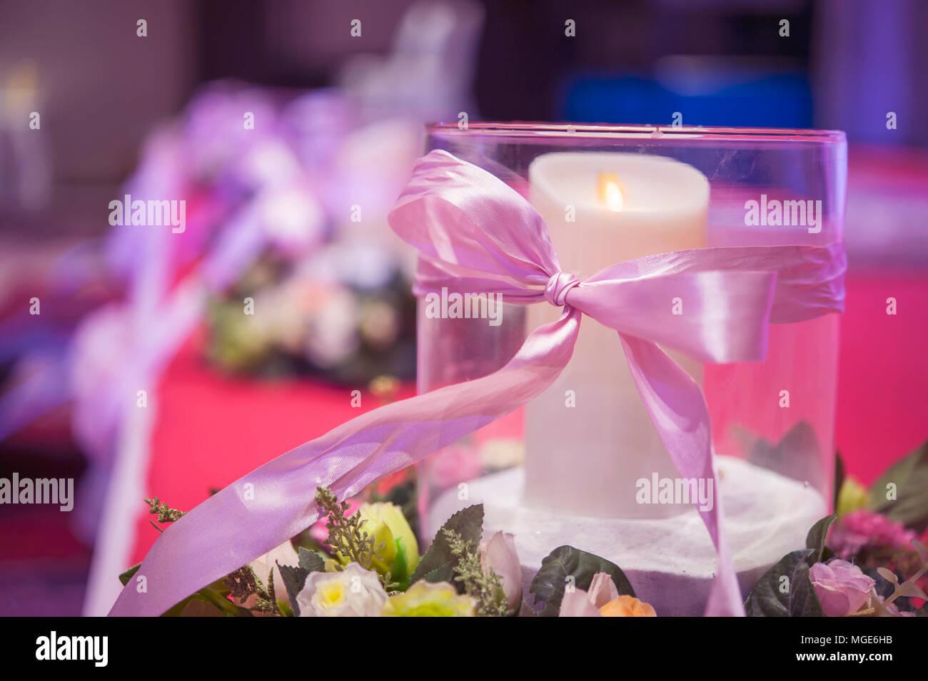 Hochzeit Dekoration Ein Glas Mit Weissen Kerze Und Pink Ribbon