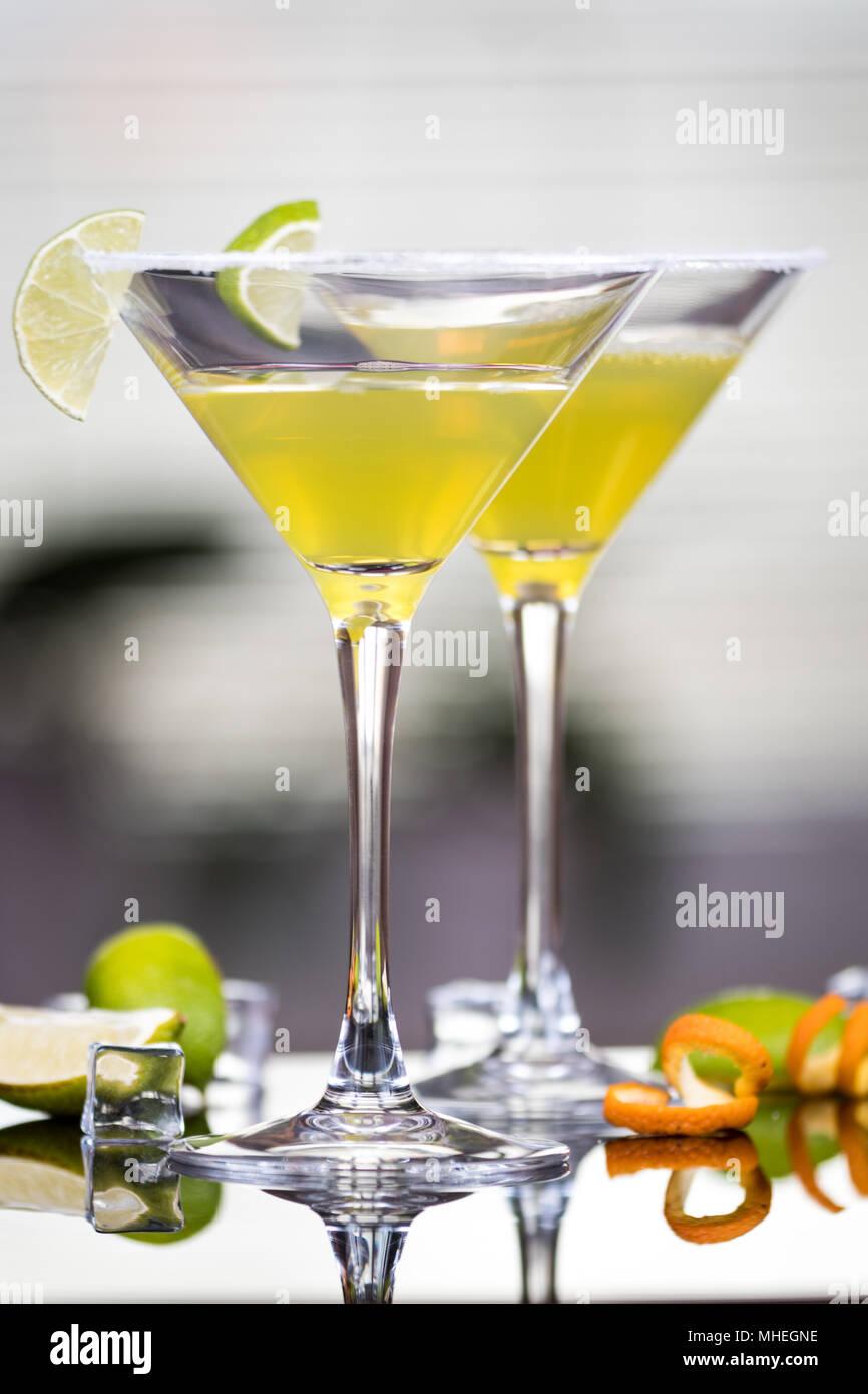 Alkohol cocktail Daiquiri mit Rum und Limette Stockfoto