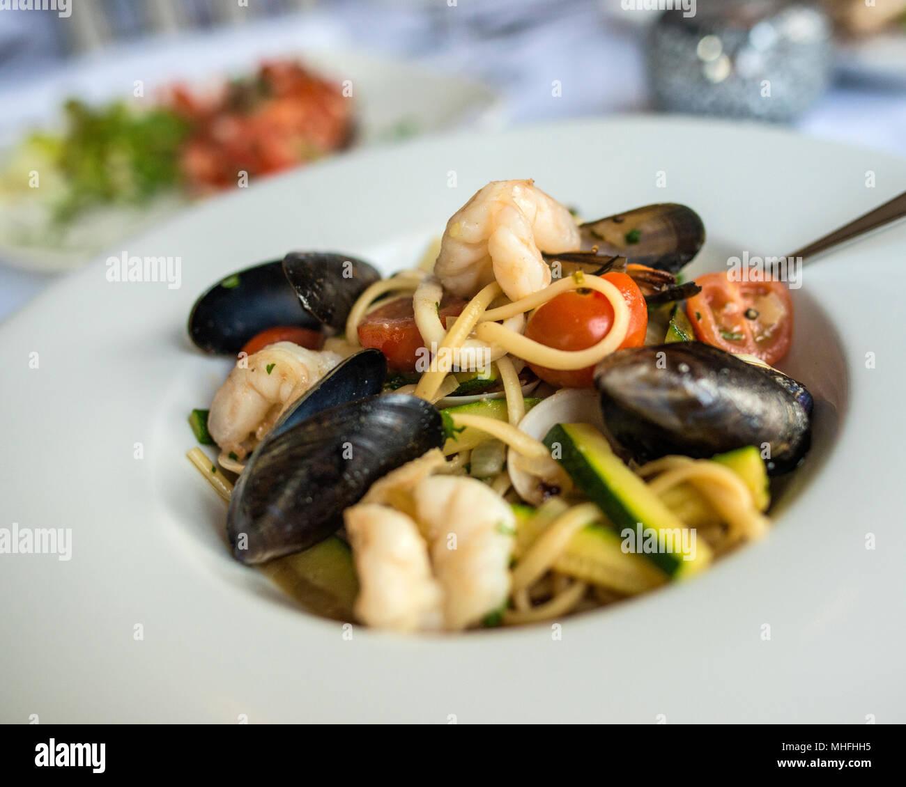 Linguine mit Meeresfrüchten Stockbild