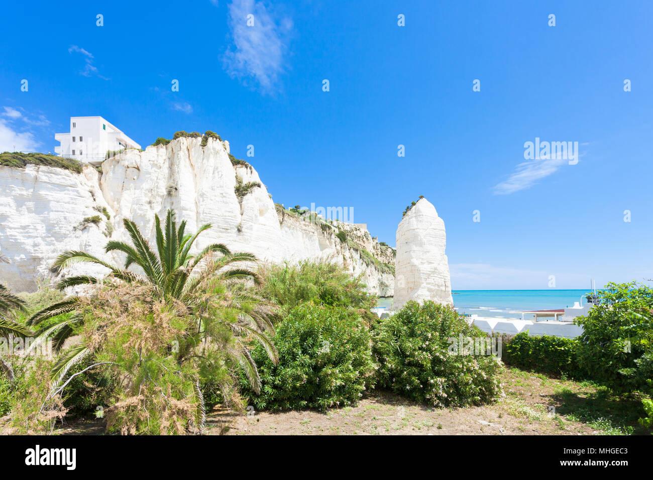 Vieste, Italien, Europa - für einen Spaziergang im Park am Kreidefelsen von Vieste Stockfoto