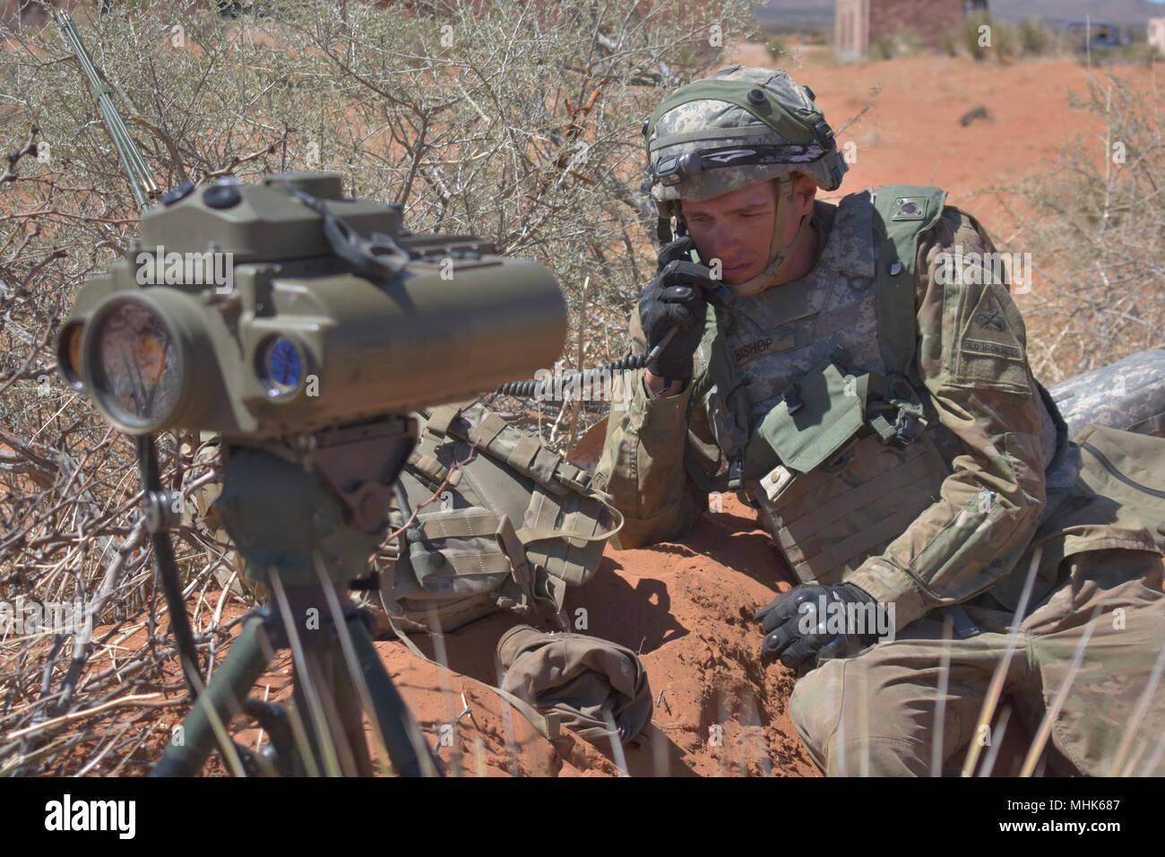 Entfernungsmesser Us Army : Pfc. kaleb bischof ein brand support specialist mit 2. akku 3
