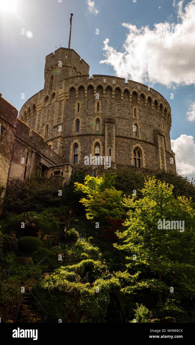 Runder Turm, der Bergfried, Schloss Windsor, Windsor, Berkshire, England, UK, GB. Stockbild