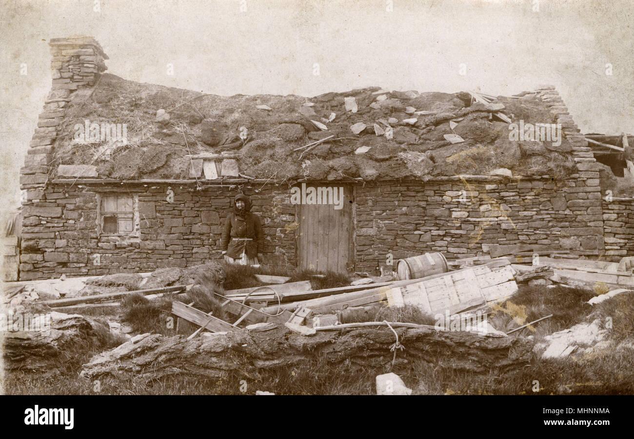 Damaged Roof Stockfotos & Damaged Roof Bilder - Alamy
