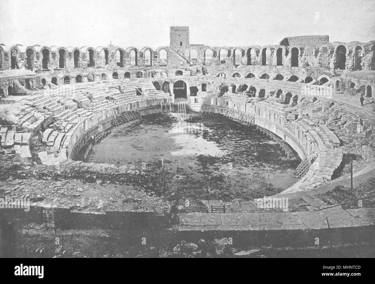 BOUCHES-DU-RHÔNE. Arles. Arènes. Intérieur 1895 alte antike Bild drucken Stockbild