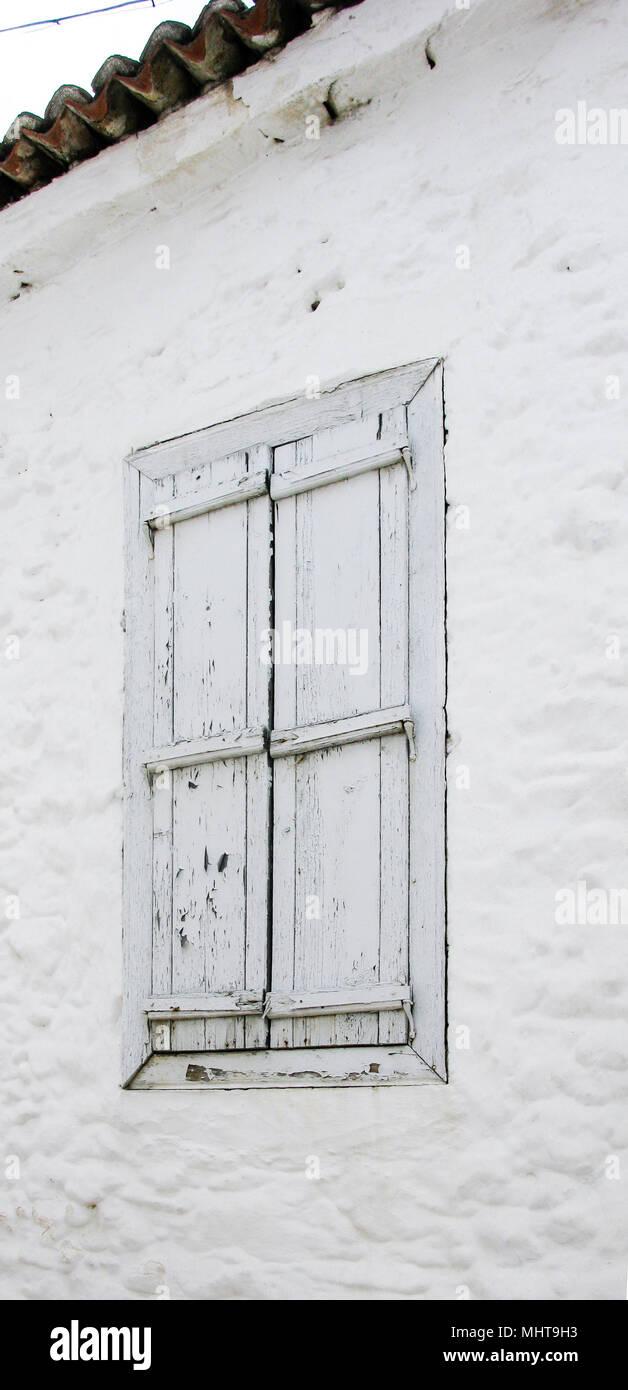 Weiß Holz- Shutter Stockfoto